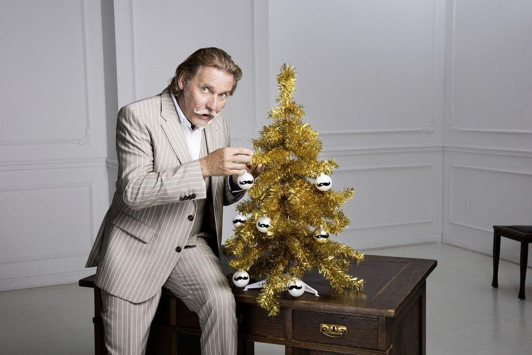 Auch in der Adventszeit steht Anwalt Ingo Lenßen den TV-Zuschauern kostenlos mit Rat und Tat zur Seite ... - Bildquelle: Martin Saumweber SAT.1 Gold