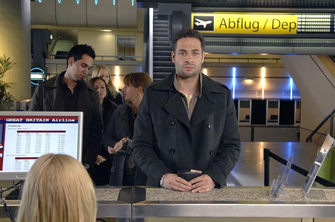 Nach allem, was vorgefallen ist, ist Jannick (Mike Adler) fest entschlossen, die Stadt zu verlassen. - Bildquelle: Claudius Pflug Sat.1