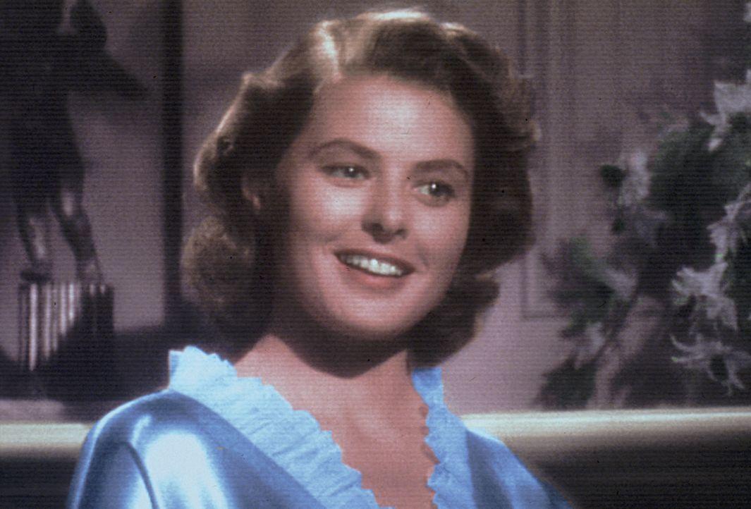Ilsas (Ingrid Bergman) ganze Hoffnungen, mit ihrem Ehemann in die rettende USA einreisen zu dürfen, ruhen auf dem Amerikaner Rick Blaine, der vor Ja... - Bildquelle: Warner Bros. Television