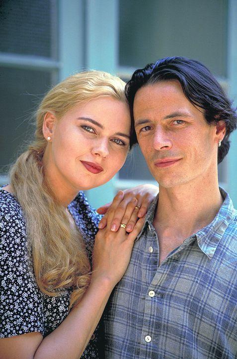 Seit Werner (Till Kretzschmar, r.) mit seiner neuen Frau Ingrid (Veronica Ferres, l.) verheiratet ist, möchte er das Sorgerecht für seinen siebenjäh... - Bildquelle: Flemming ProSieben