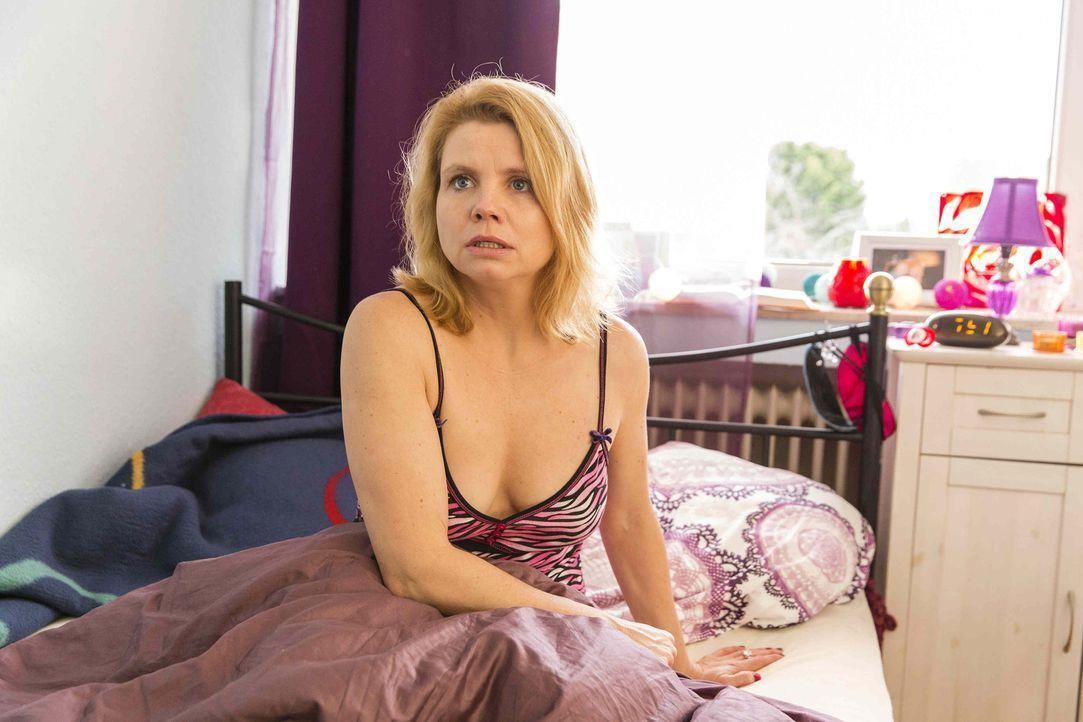 Ihre beruflichen und privaten Herausforderungen wachsen ihr über den Kopf: Danni (Annette Frier) ... - Bildquelle: Frank Dicks SAT.1