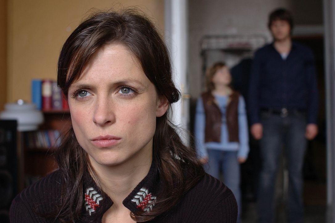 Als Anna (Julia Brendler) erfährt, dass Martin ihren Sohn für seine unsauberen Zwecke missbraucht hat, rastet sie völlig aus ... - Bildquelle: Dirk Plamböck ProSieben