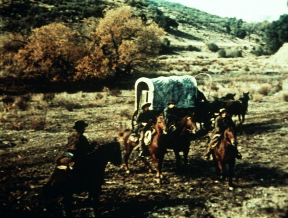 Jeb Drummond und seine Leute wollen mit ihrer Schafherde über die Weiden der Ponderosa ziehen ... - Bildquelle: Paramount Pictures