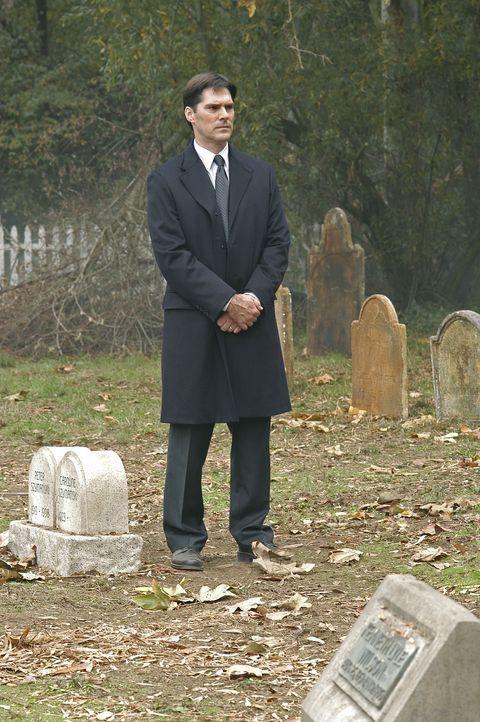 Einem bestialischen Mörder auf der Spur: Aaron (Thomas Gibson) ... - Bildquelle: 2005 CBS BROADCASTING INC. All Rights Reserved.