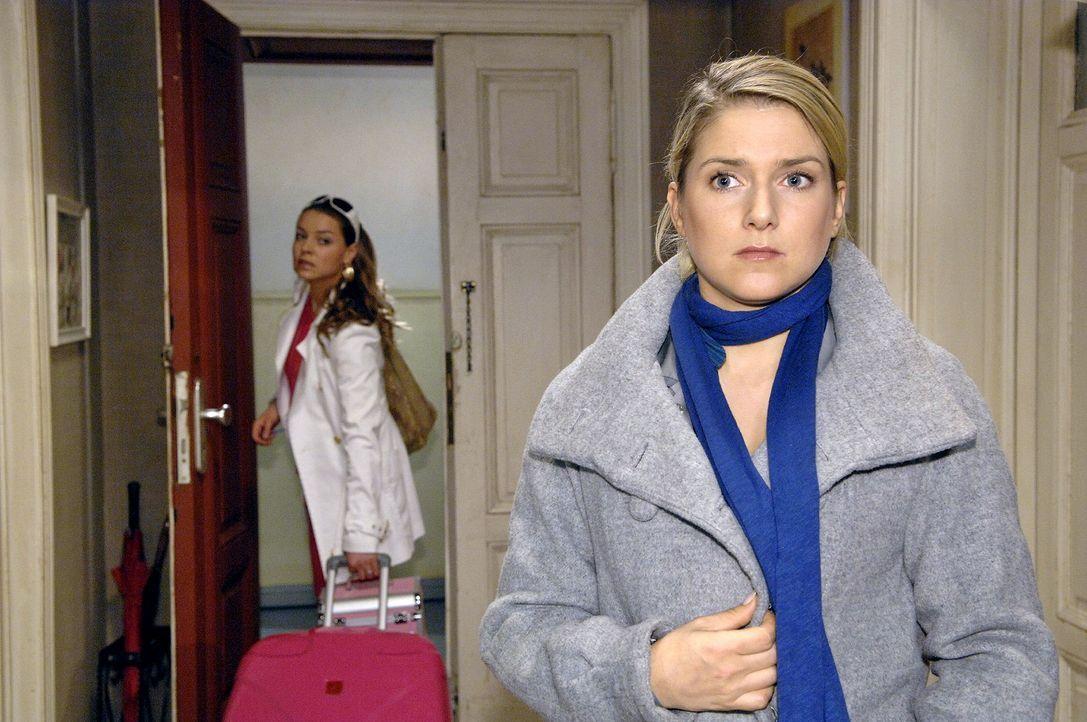 Anna (Jeanette Biedermann, r.) ist geschockt, als sie von Katjas (Karolina Lodyga, l.) Plänen erfährt. - Bildquelle: Claudius Pflug Sat.1