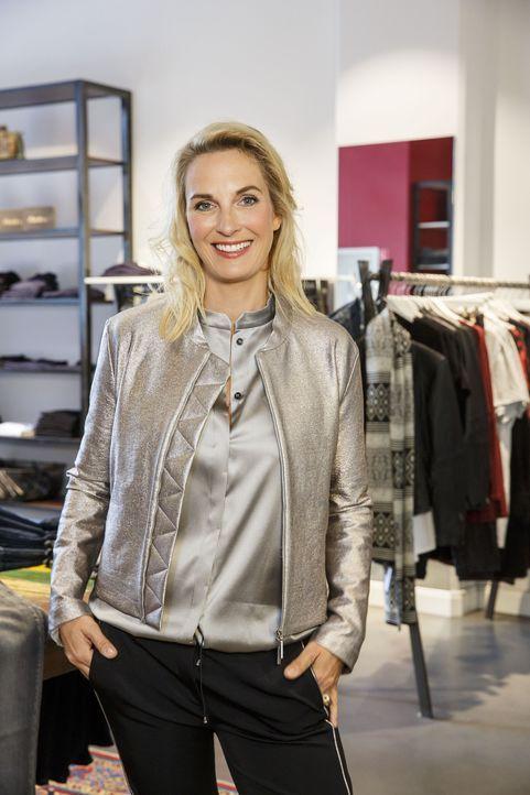 Moderatorin Britt Hagedorn verhilft nicht nur den Modemuffeln zu einem neuen Look, sondern auch bei der Lebensgestaltung wird mit Rat und Tat zur Se... - Bildquelle: Morris MacMatzen Sat.1 Gold