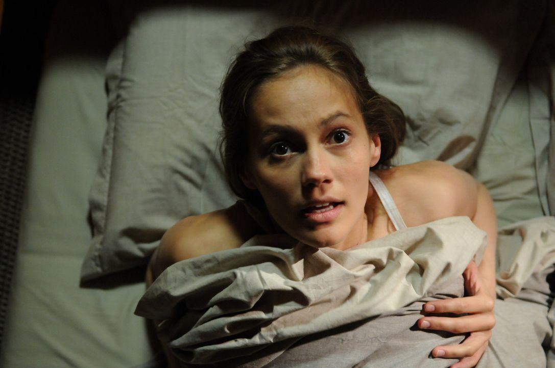 Als nach einigen Jahren Sophie (Luisa Katharina Davids) in ihr Heimatdorf zurückkehrt, plagen sie schon bald schreckliche Alpträume. Da beginnt eine... - Bildquelle: Oliver Roth ProSieben
