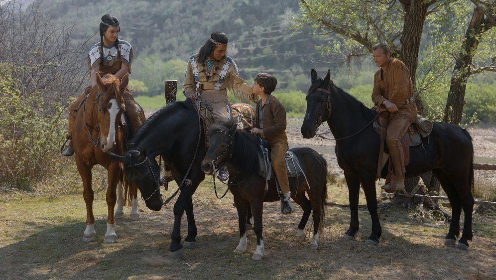 Winnetou und das Halbblut Apanatschi - Bildquelle: Tobis Film