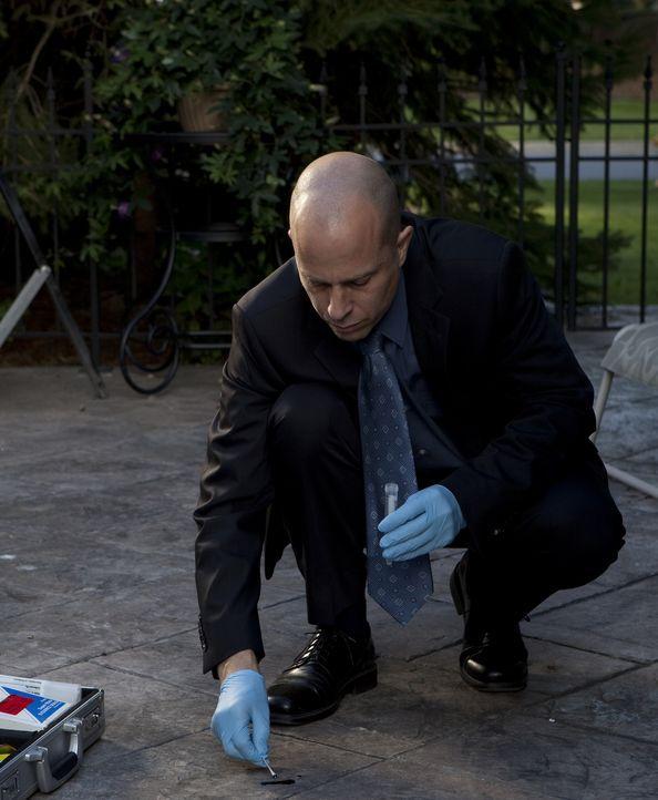 Dem Mörder auf der Spur: Ermittler untersuchen das Haus der getöteten Debi Whitlocks nach Blutspuren und Beweisen. Können sie den Täter überführen?... - Bildquelle: Jeremy Lewis Cineflix 2010