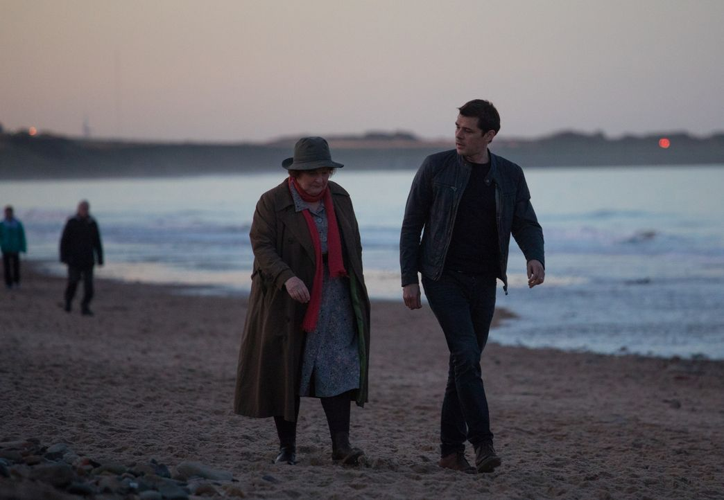 Vera Stanhope (Brenda Blethyn, l.); Aiden Healy (Kenny Doughty, r.) - Bildquelle: ITV Studios