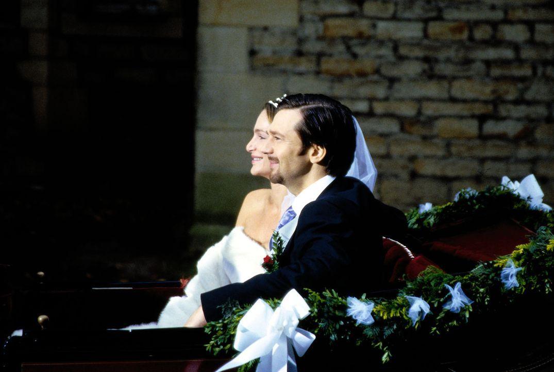 Ein folgenreicher Tag: Antonia (Alexandra Kamp, l.) und ihr Mann Leonardt Graf von Ahrendorff (Kai Wiesinger, r.) auf der vermeintlichen Fahrt ins G... - Bildquelle: Thomas Böhme Sat.1