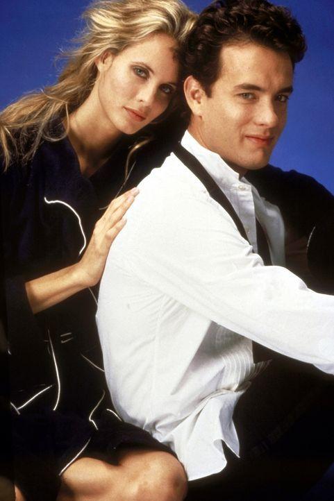 Als man Richard (Tom Hanks, r.) fälschlicherweise für einen Top-Spion erklärt, setzt die CIA die schöne Agentin Maddy (Lori Singer, l.) auf ihn an .... - Bildquelle: 20th Century Fox Film Corporation