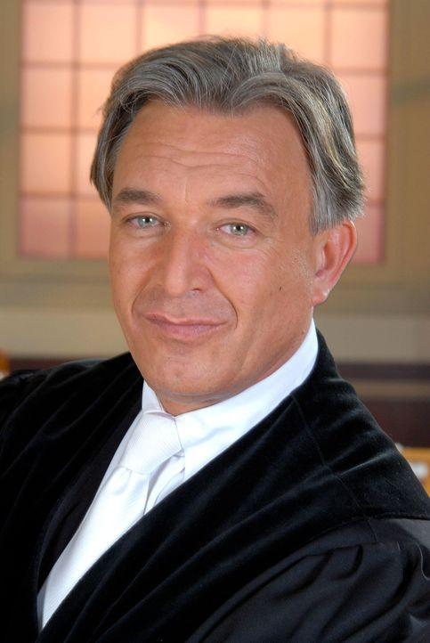 Staatsanwalt Sewarion Kirkitadse - Bildquelle: Elke Werner SAT.1