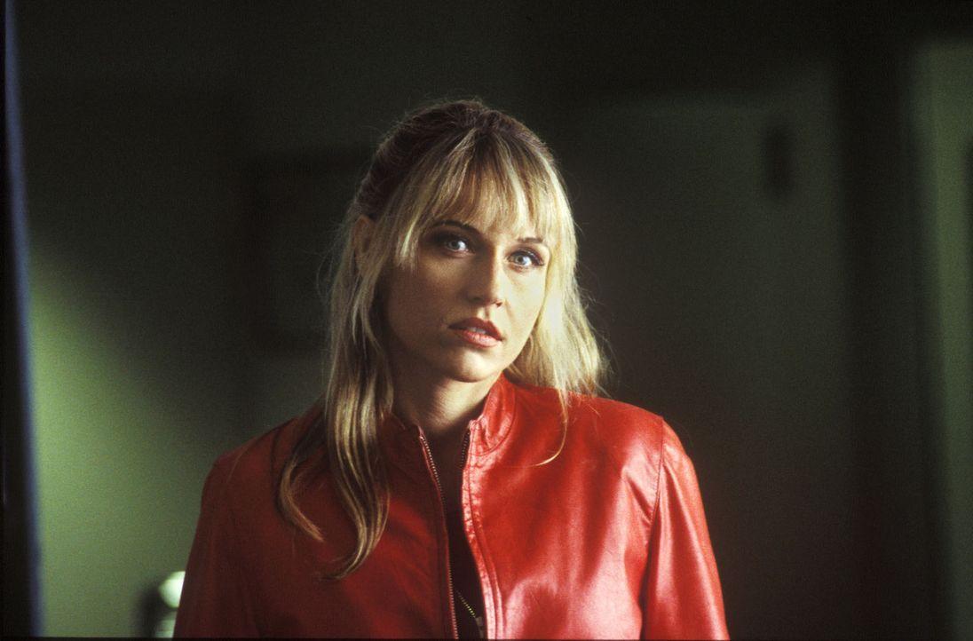 Jana (Anica Dobra) wird Lehmanns rettender Engel ... - Bildquelle: Wolfgang Meier Sat.1
