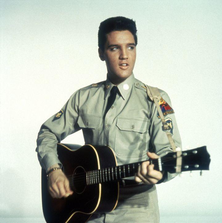 Tulsa (Elvis Presley), Cookie und Rick, drei amerikanische Soldaten, die in Deutschland ihre Dienstzeit verbringen, haben eine Musik-Combo gegründet... - Bildquelle: TM,® &Copyright  2003 By Paramount Pictures All Rights Reserved