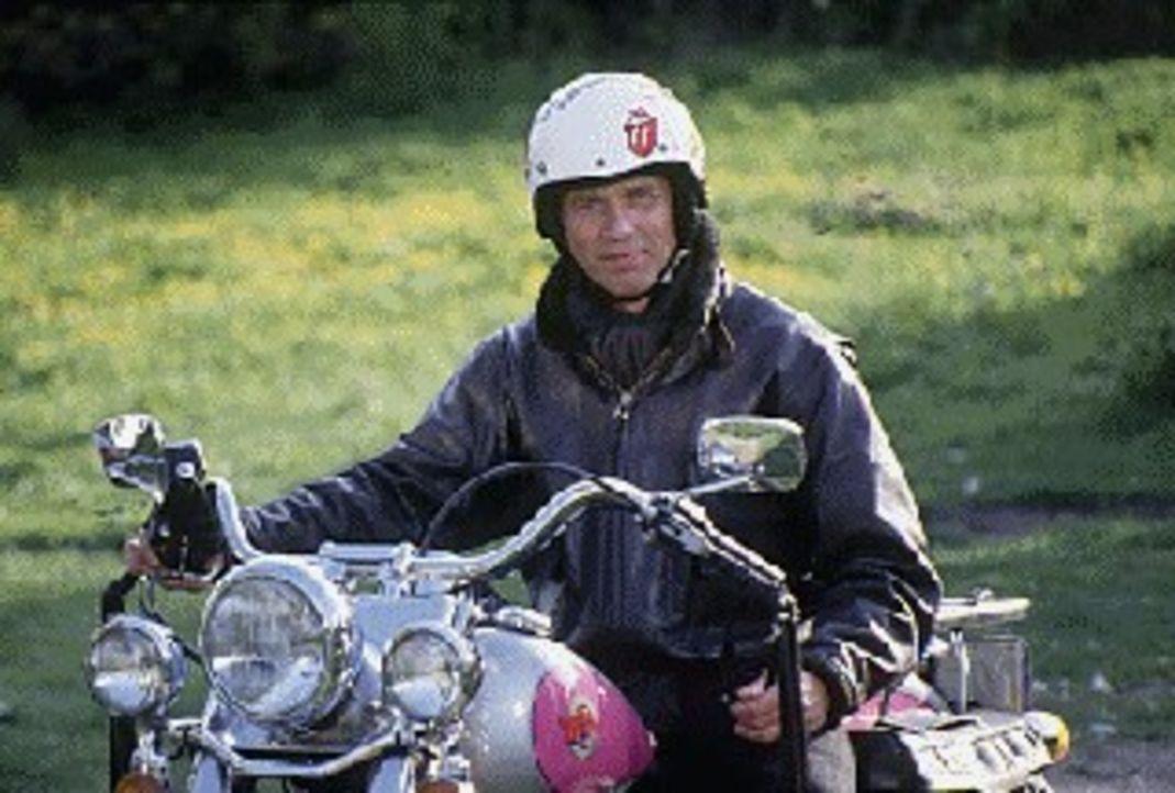 Der Urbayer Valentin Gruber (Wolfgang Fierek) ist Polizist mit Leib und Seele. Und ein Pfundskerl dazu. Eines Tages wird er von Miesbach in Bayern a... - Bildquelle: Conny Klein Sat.1
