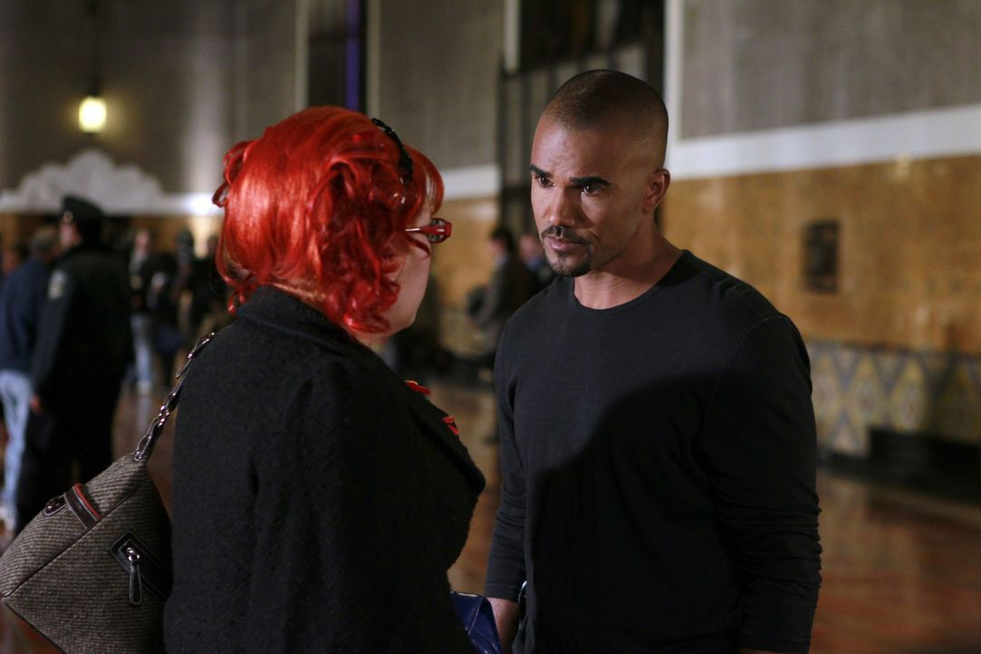 Ermitteln in einem neuen Fall: Morgan (Shemar Moore, r.) und Garcia (Kirsten Vangsness, l.) ... - Bildquelle: Cliff Lipson 2010 American Broadcasting Companies, Inc. All rights reserved. / Cliff Lipson