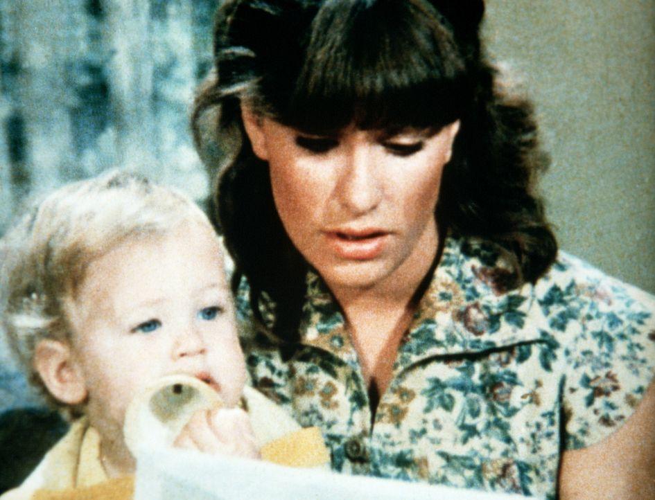 Mary Ellen (Judy Norton-Taylor, r.) liest noch einmal den Brief, den ihr Mann Curt vor seiner Abreise für seinen Sohn bei John Walton deponiert hat. - Bildquelle: WARNER BROS. INTERNATIONAL TELEVISION