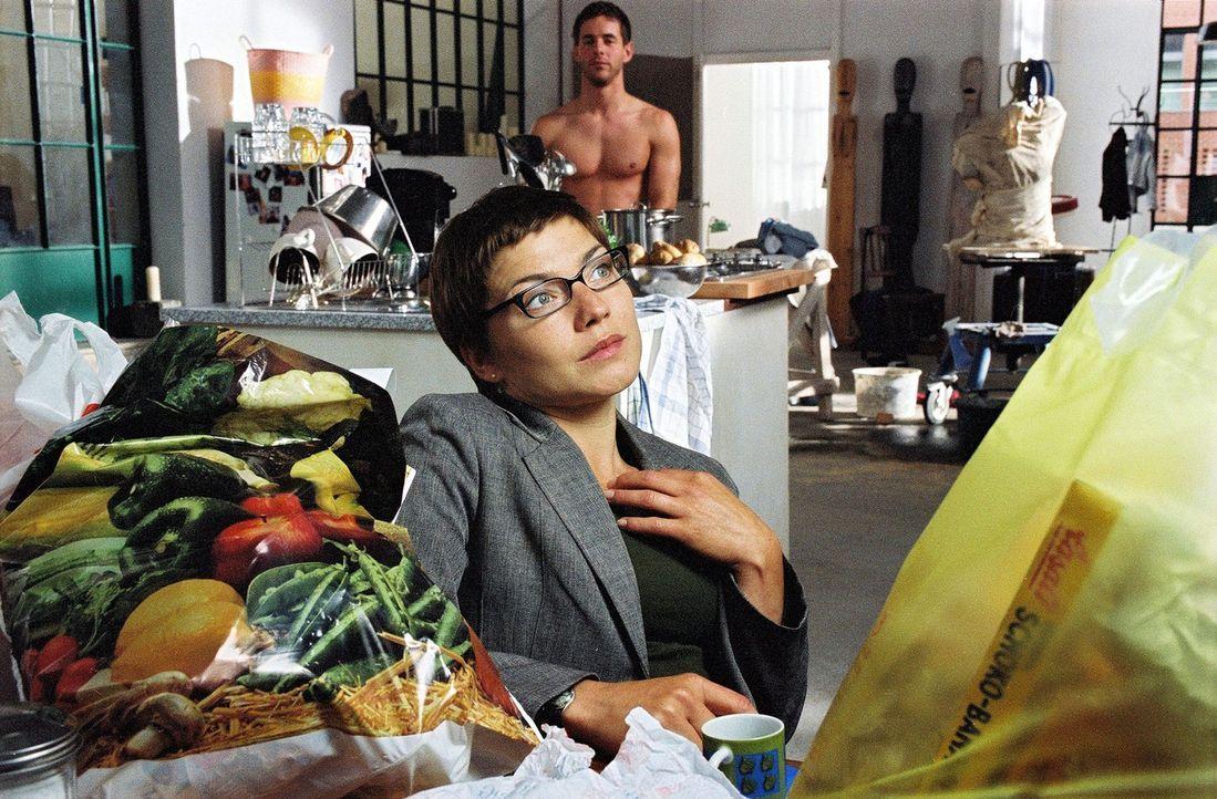 Anna (Claudia Schmutzler) fühlt sich einsam und träumt von dem Mann ihres Lebens. - Bildquelle: Susan Skelton Sat.1