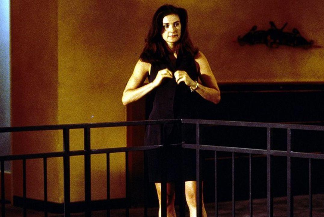 Verführerisch, geschäftstüchtig und skrupellos: Meredith Johnson (Demi Moore) ... - Bildquelle: 1994 Warner Bros.