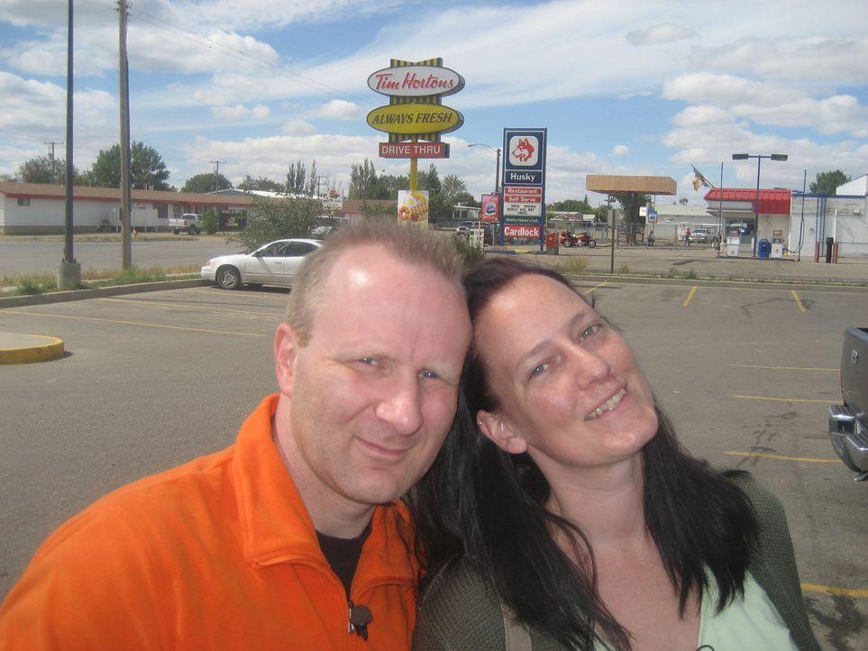Frank (38) und Natascha (30) Rygalski haben den großen Schritt noch vor sich. In Gelsenkirchen lassen sie ein gesichertes Leben zurück, um im kanadi... - Bildquelle: kabel eins
