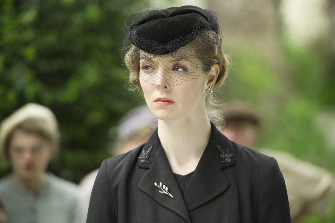 Hildegard Staunton (Pheline Roggan) - Bildquelle: LOVELY DAY PRODUCTION / ITV