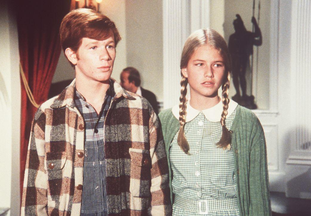 Ben Walton (Eric Scott, l.) und Nancy (Cindy Fisher, r.) wird langsam aber sicher klar, dass sie mit der Wahrheit herausrücken müssen ... - Bildquelle: American Broadcasting Company