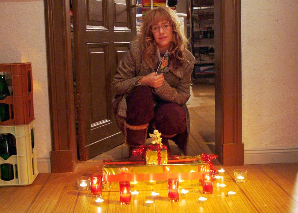 Als Lisa (Alexandra Neldel) zum Weihnachtsfest nach Göberitz aufbricht, erwartet sie eine Überraschung ... (Dieses Foto von Alexandra Neldel darf nu... - Bildquelle: Monika Schürle Sat.1