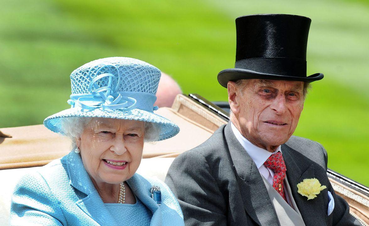 Queen-Elizabeth-II-Prinz-Philip-12-06-19-dpa - Bildquelle: dpa