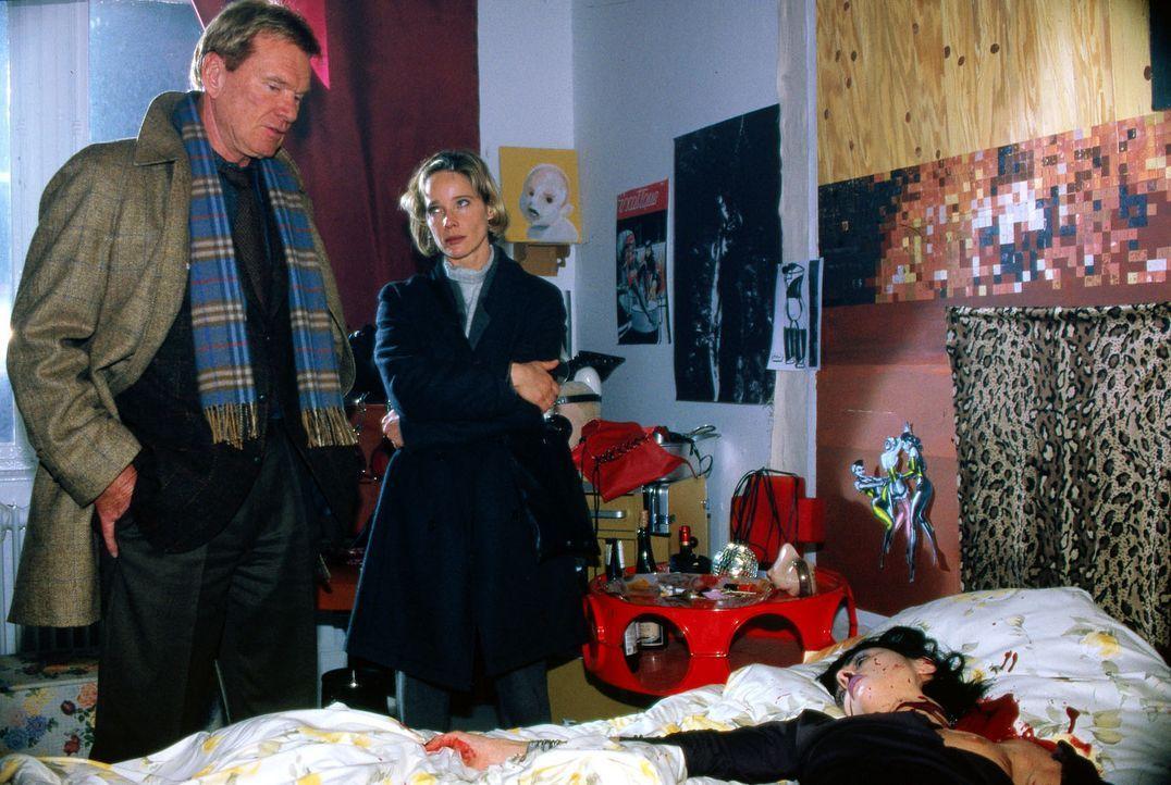 Ein unheimlicher Serienmörder treibt sein Unwesen. Kommissarin Michelle Eisner (Ann-Kathrin Kramer, M.) hofft, über die Zusammenarbeit mit dem Poliz... - Bildquelle: Jacqueline Krause-Burberg Sat.1