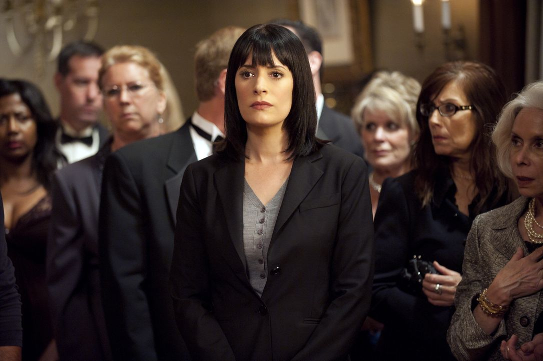 Ermittelt im Fall Donald Sanderson: Prentiss (Paget Brewster) ... - Bildquelle: Lewis Jacobs 2010 American Broadcasting Companies, Inc. All rights reserved. / Lewis Jacobs