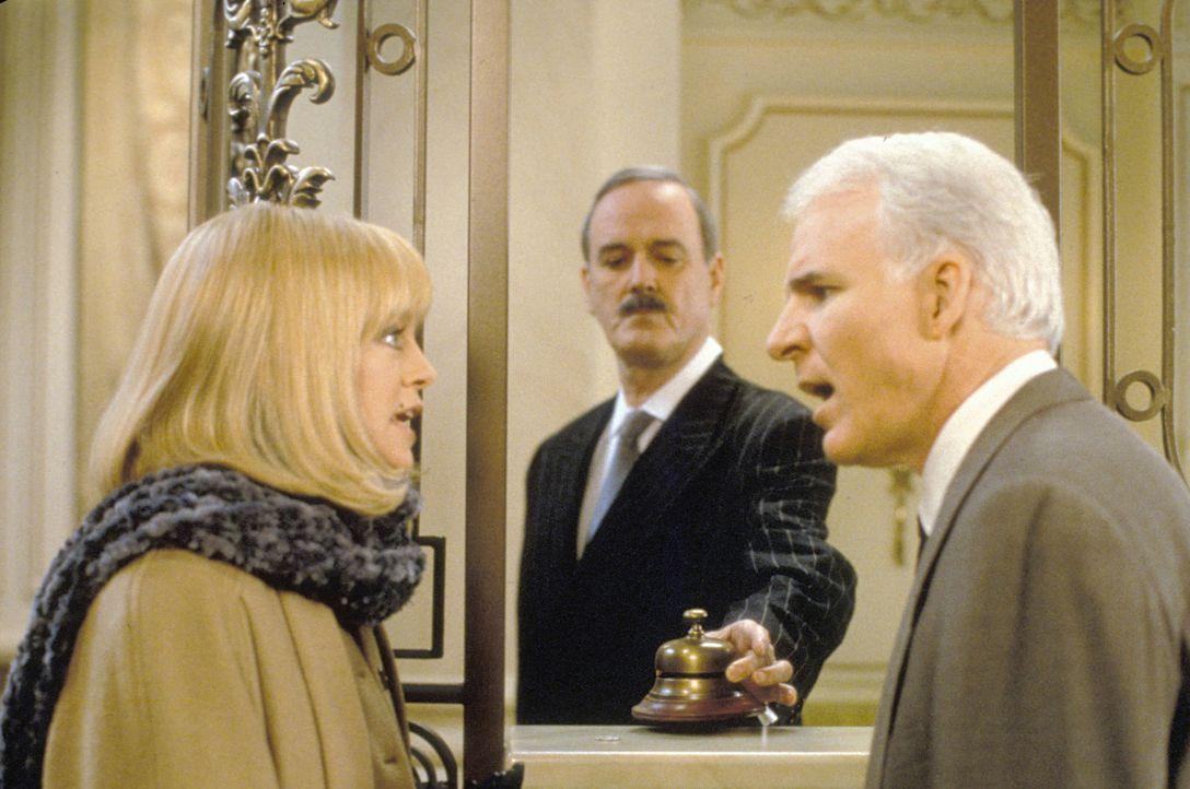 Das Sahnehäubchen: Henrys (Steve Martin, r.) und Nancys (Goldie Hawn, l.) Hotelzimmer ist natürlich auch schon vergeben ... - Bildquelle: TM, ® &   by Paramount Pictures. All Rights Reserved.