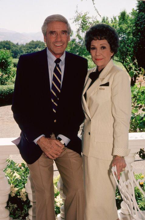 (3. Staffel) - Haben nichts Gutes im Sinn: Angela (Jane Wyman, r.) und Philip (Mel Ferrer, l.) ... - Bildquelle: 1984   Warner Brothers