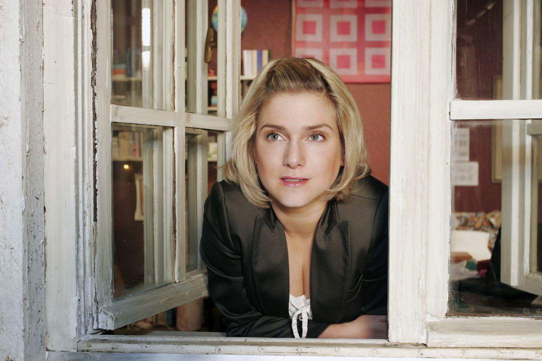 Anna (Jeanette Biedermann) will es schaffen, ihre Schüchternheit zu überwinden ... - Bildquelle: Noreen Flynn Sat.1