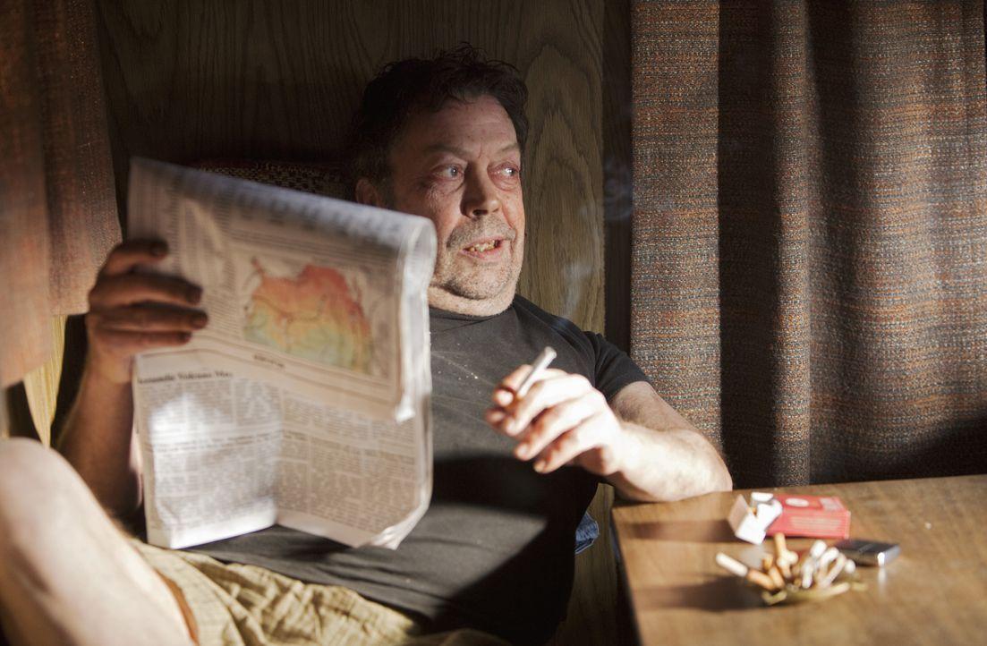 Der Fürst der Finsternis? Billy Flynn (Tim Curry) ... - Bildquelle: Adam Rose 2010 American Broadcasting Companies, Inc. All rights reserved. / Adam Rose