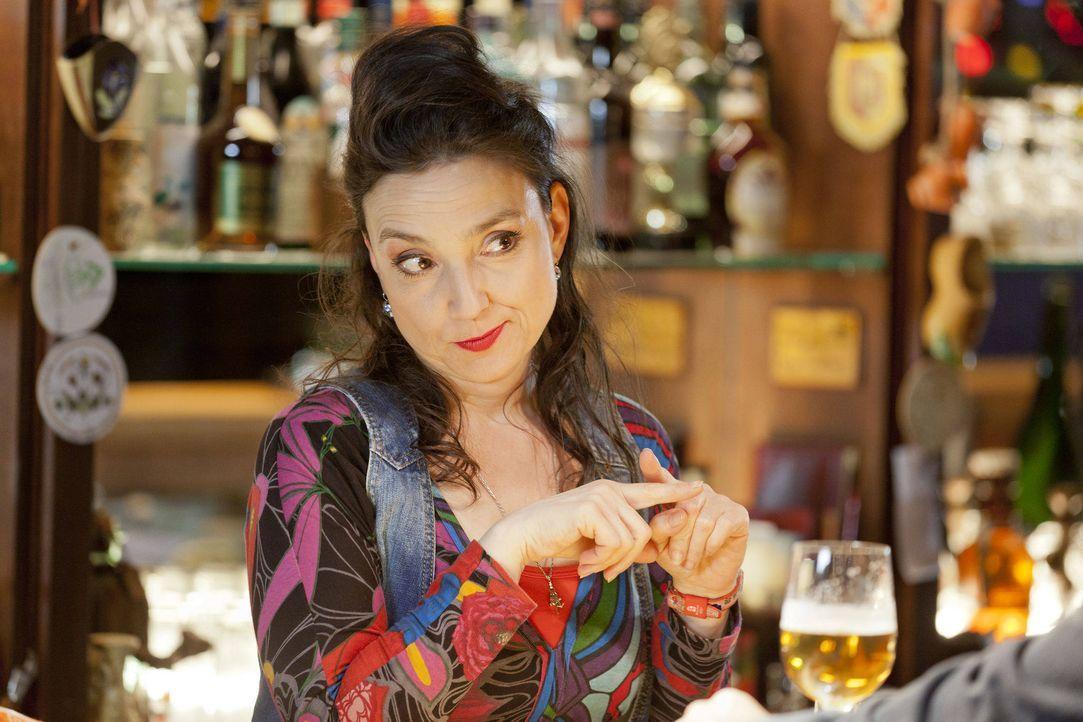 (3. Staffel) - Uschi (Tatjana Clasing) verliebt sich ... - Bildquelle: Martin Rottenkolber SAT.1 / Martin Rottenkolber