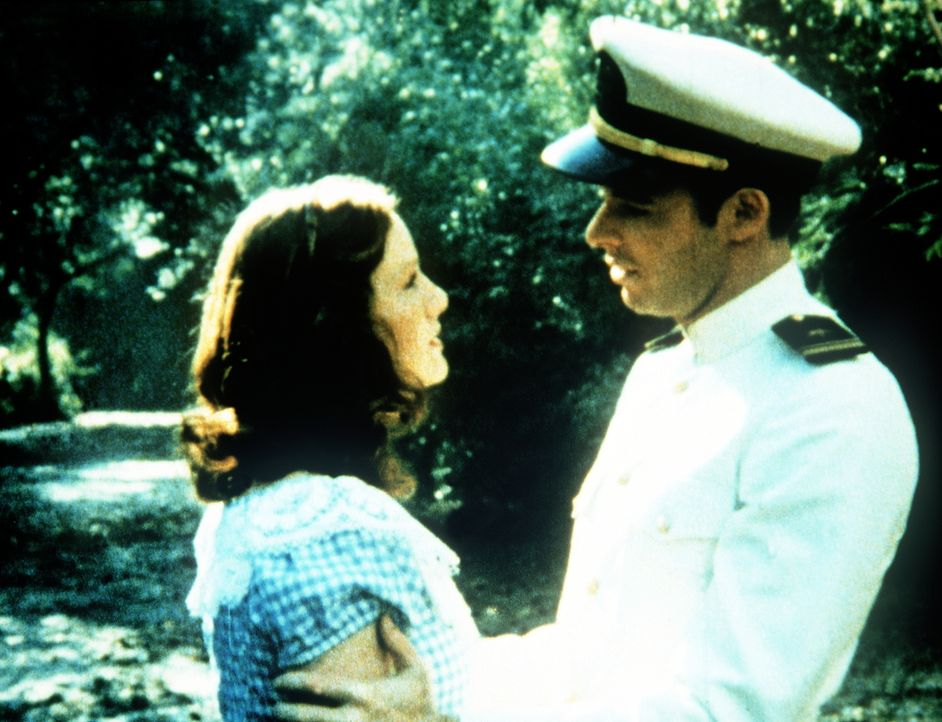 Bei einem Spaziergang gesteht Ashley Longworth (Jonathan Frakes, r.) Erin Walton (Mary Beth McDonough, l.) seine Liebe. - Bildquelle: WARNER BROS. INTERNATIONAL TELEVISION