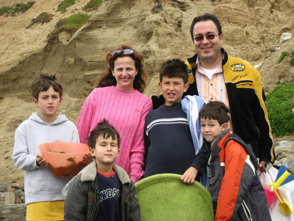 Esther (41) und Robert (41) Nio in Palo Alto. 10 Jahre leben die Münchner zusammen mit ihren vier Kindern schon in den USA ... - Bildquelle: kabel eins