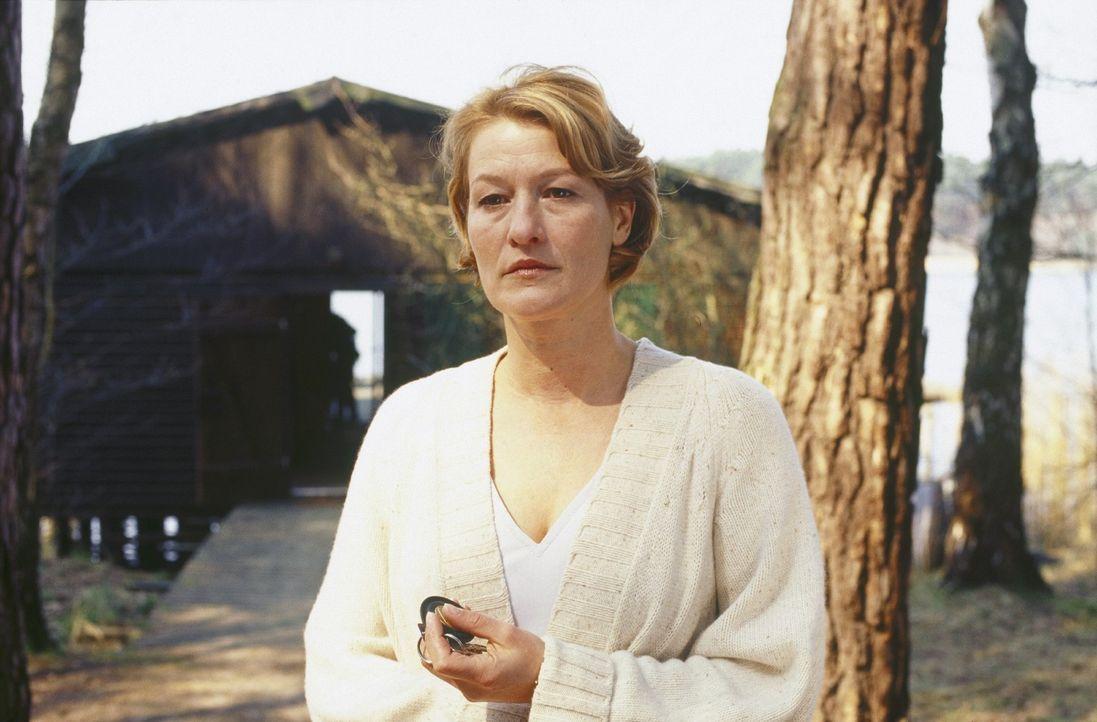 Ellen (Suzanne von Borsody) ist Psychologin, Spezialistin für Serien-Triebtäter, die über dieses Thema auch ein Buch veröffentlicht hat. Sie ist ges... - Bildquelle: Norbert Kuhroeber Sat.1