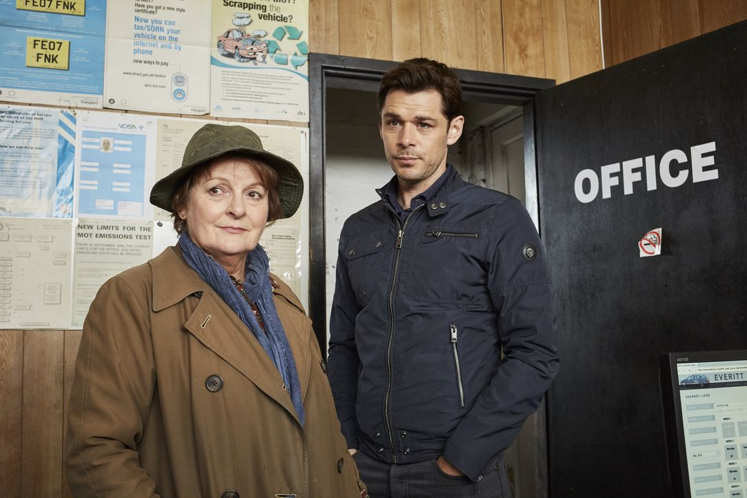 Vera Stanhope (Brenda Blethyn, l.); Aiden Healy (Kenny Doughty, r.) - Bildquelle: Justin Slee ITV Studios