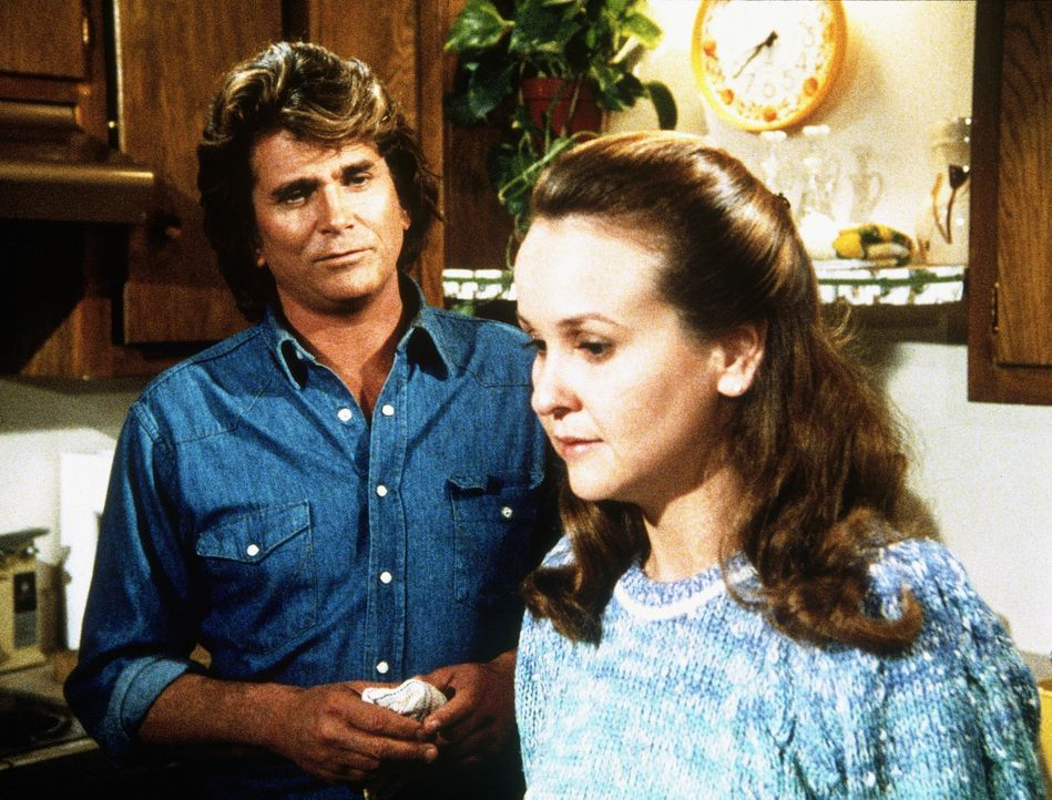 Jonathan (Michael Landon, l.) versucht, der unglücklichen Marsha (Coleen Maloney, r.), die unheilbar an Krebs erkrankt ist, zu helfen. - Bildquelle: Worldvision Enterprises, Inc.