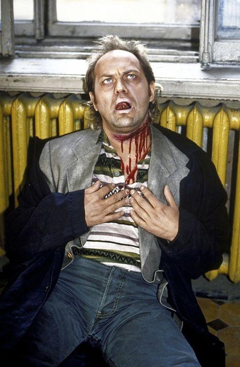Offensichtlich ist Hajo Kroll (Uwe Ochsenknecht) tödlich verunglückt - oder doch nicht? - Bildquelle: York Maecke ProSieben