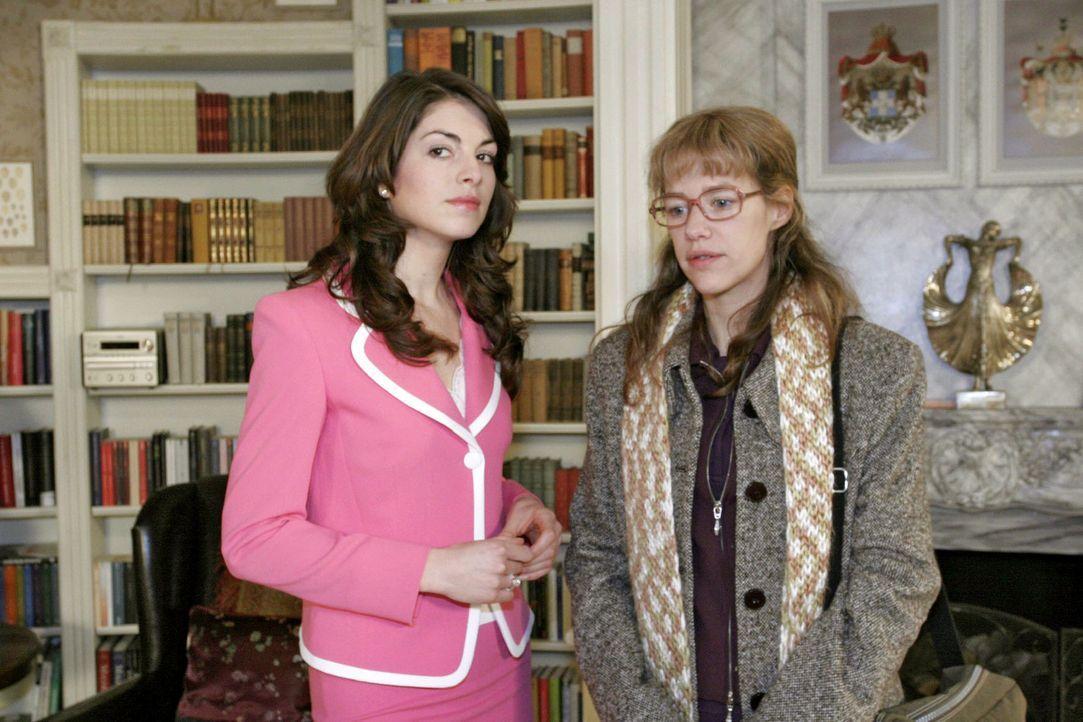 David hat ausgerechnet Lisa (Alexandra Neldel, r.) gebeten, ihm dabei zu helfen, Mariella (Bianca Hein, l.) zurückzugewinnen. Sein Plan geht nicht a... - Bildquelle: Noreen Flynn Sat.1