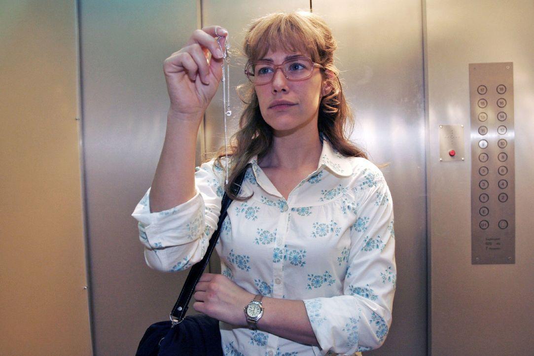 Lisa (Alexandra Neldel) nimmt mental Abschied von David. (Dieses Foto von Alexandra Neldel darf nur in Zusammenhang mit der Berichterstattung über d... - Bildquelle: Noreen Flynn Sat.1