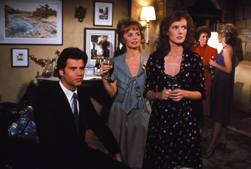 (1. Staffel) - Überall lauern Gefahren: Lance (Lorenzo Lamas, l.), seine Tante Emma (Margaret Ladd, M.) und seine Cousine Victoria (Jamie Rose, r.)... - Bildquelle: Warner Brothers