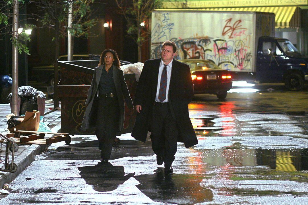 Der neue Fall bereitet Nick Vera (Jeremy Ratchford, r.) und Kat Miller (Tracie Thoms, l.) Kopfzerbrechen ... - Bildquelle: Warner Bros. Television