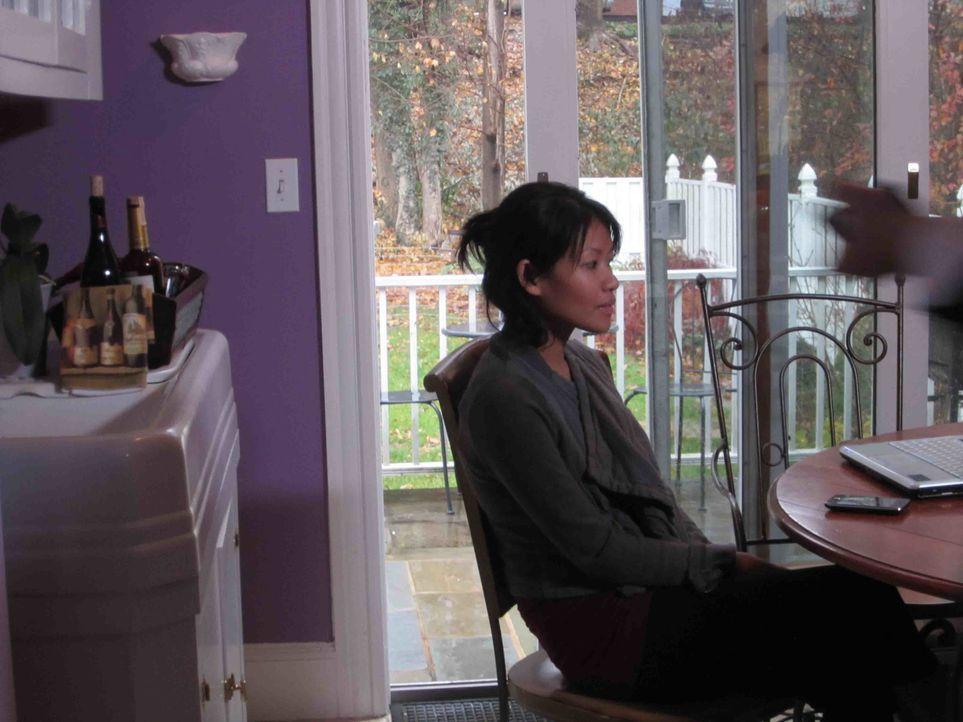 Als die junge Mai Hlee Xiong an einem Schönheitswettbewerb teilnimmt, ahnt sie nicht, dass sich im Publikum eine Person sitzt, die ganz genau hinsch... - Bildquelle: Kate Findlay-Shirras Atlas Media, 2011 / Kate Findlay-Shirras