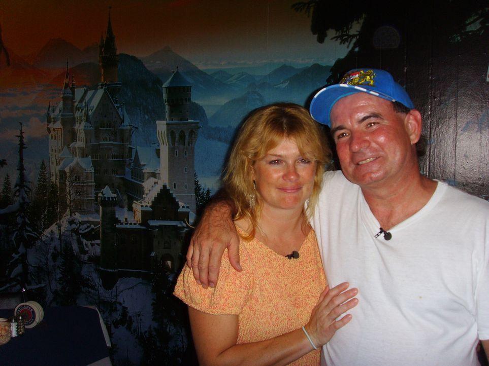 Bis vor anderthalb Jahren haben Jochen (51), Antje (38) und Tochter Sandra (16) Mayer auf gerade mal 58 Quadratmetern in München gelebt. Jetzt in Fl... - Bildquelle: kabel eins