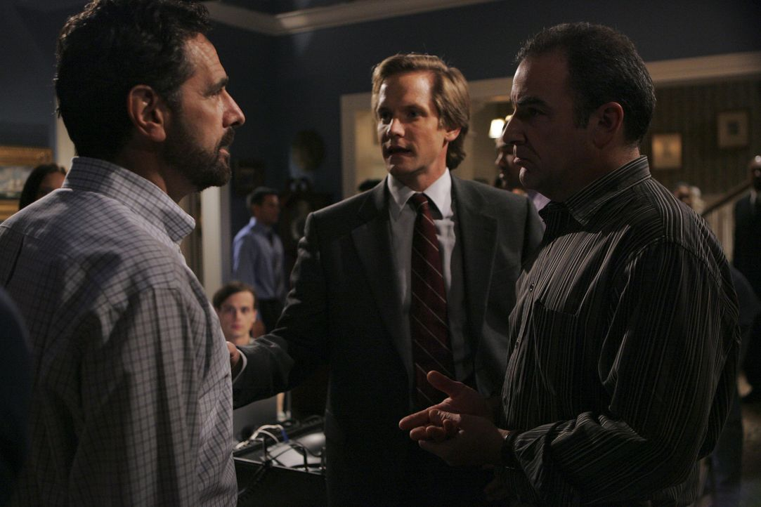(v.l.n.r.) Evan Davenport (Robin Thomas); Vincent Shyer (Matthew Letscher); Jason Gideon (Mandy Patinkin) - Bildquelle: Cliff Lipson 2005 CBS BROADCASTING INC. All Rights Reserved.