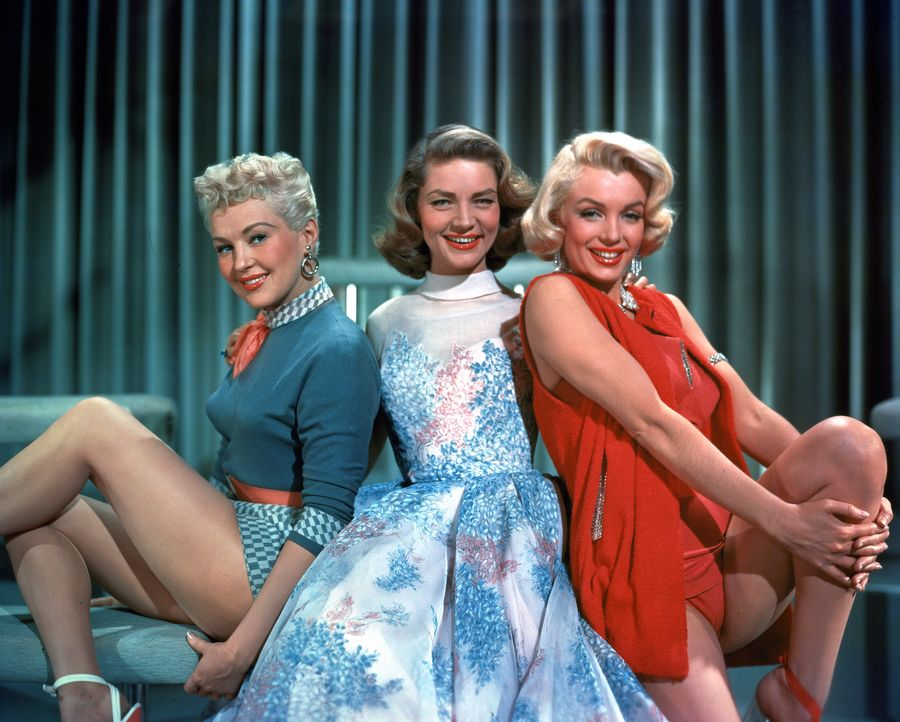 (v.l.n.r.) Loco Dempsey (Betty Grable); Schatze Page (Lauren Bacall); Pola Debevoise (Marilyn Monroe) - Bildquelle: 1953 Twentieth Century Fox Film Corporation.